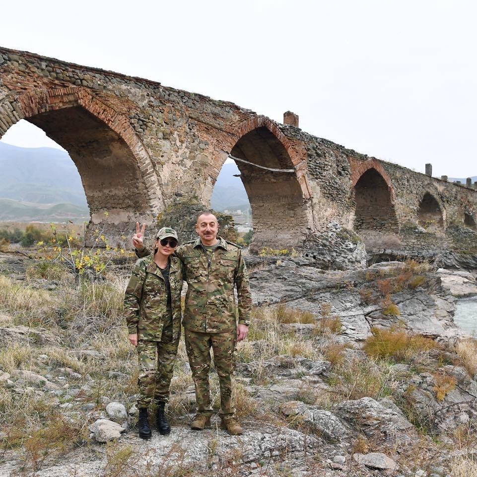 Ali Baş Komandan İlham Əliyev və birinci xanım Mehriban Əliyeva işğaldan azad  olunmuş ərazilərdə olublar.